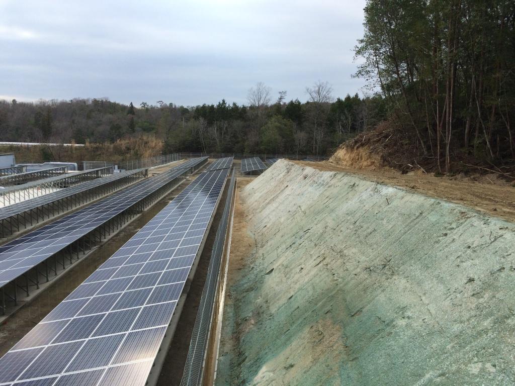 名張太陽光発電所法面補修工事