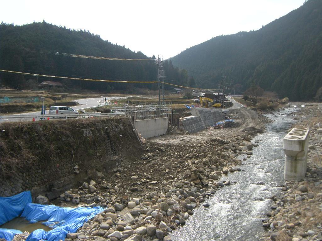 一般国道368号(上長瀬)道路改良工事(1号橋下部)工事